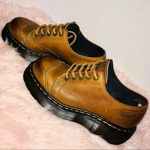 Dr Martens tan distressed leather chunky oxfords